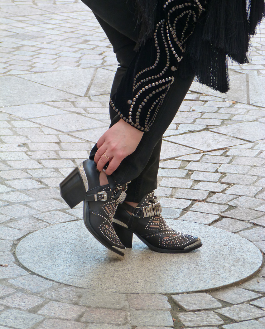 Jeffrey-Campbell-Calhoun-Booties-(2)