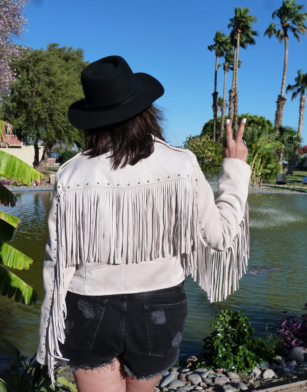 Coachella-Day1-The-Trendy-Style-5